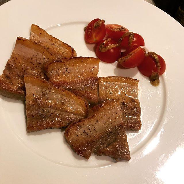 1週間塩漬けにした、豚バラ肉のソテー。#六本木#西麻布#roppongi#nishiazabu #ビストロ#レストラン#bistro #restaurant #pork#豚バラ