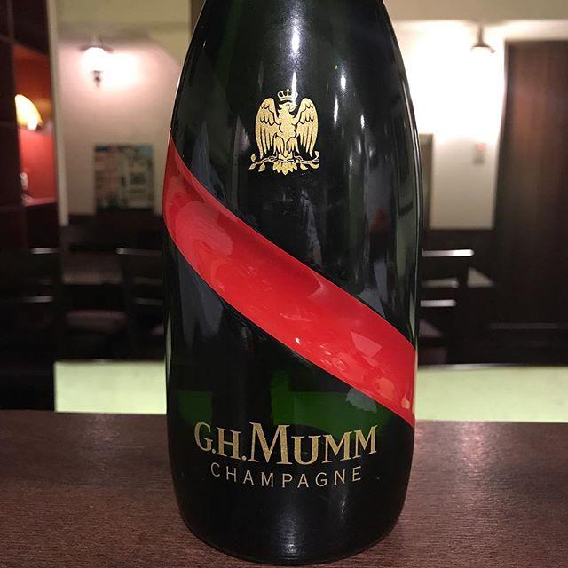 マムグランコルドン、フェア中です。グラスもありますが、ボトルで¥8800です。御節料理のご予約も受け付け中です。#nishiazabu#roppongi#西麻布#六本木#ビストロ#フレンチ#レストラン#帝國食堂#bistro #restaurant #french #マム #mumm #シァンパン#champagne #おせち料理 #おせち
