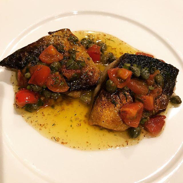 サバのポワレ、ケッパーとトマト、香草の焦がしバターソース。#nogizaka#nishiazabu#roppongi#restaurant#bistrot#french#cuisine#poisson #fish #maquereau #tomate#capre #beurre #butter #sauce #西麻布#六本木#乃木坂#レストラン#ビストロ#サバ#さば#鯖#トマト#バター#ソース#焦がし#ケッパー#香草#ディル