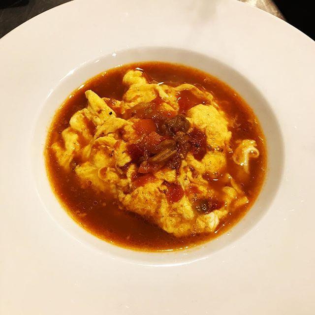 スクランブルエッグ、甘海老と金目鯛からとった出汁のスープ仕立て。#nishiazabu#roppongi#nogizaka#bistrot#restaurant#french#cuisine#eggs #egg #scramble #scrambledeggs #soupe#poisson #gambas #西麻布#六本木#乃木坂#ビストロ#レストラン#フレンチ#卵#たまご#スクランブル#エッグ#甘海老#金目鯛#スープ